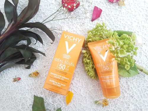 ideal-soleil-mattifying-face-fluid-dry-touch