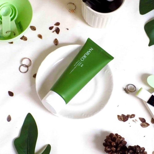 sua-rua-mat-naruko-tea-tree-purifying-clay-mask-cleanser-in-1