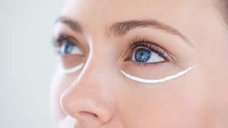 Là một thiết kế chuyên dụng cho vùng da quanh mắt
